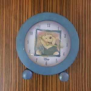 Vintage Winnie the Pooh Works Round Clock